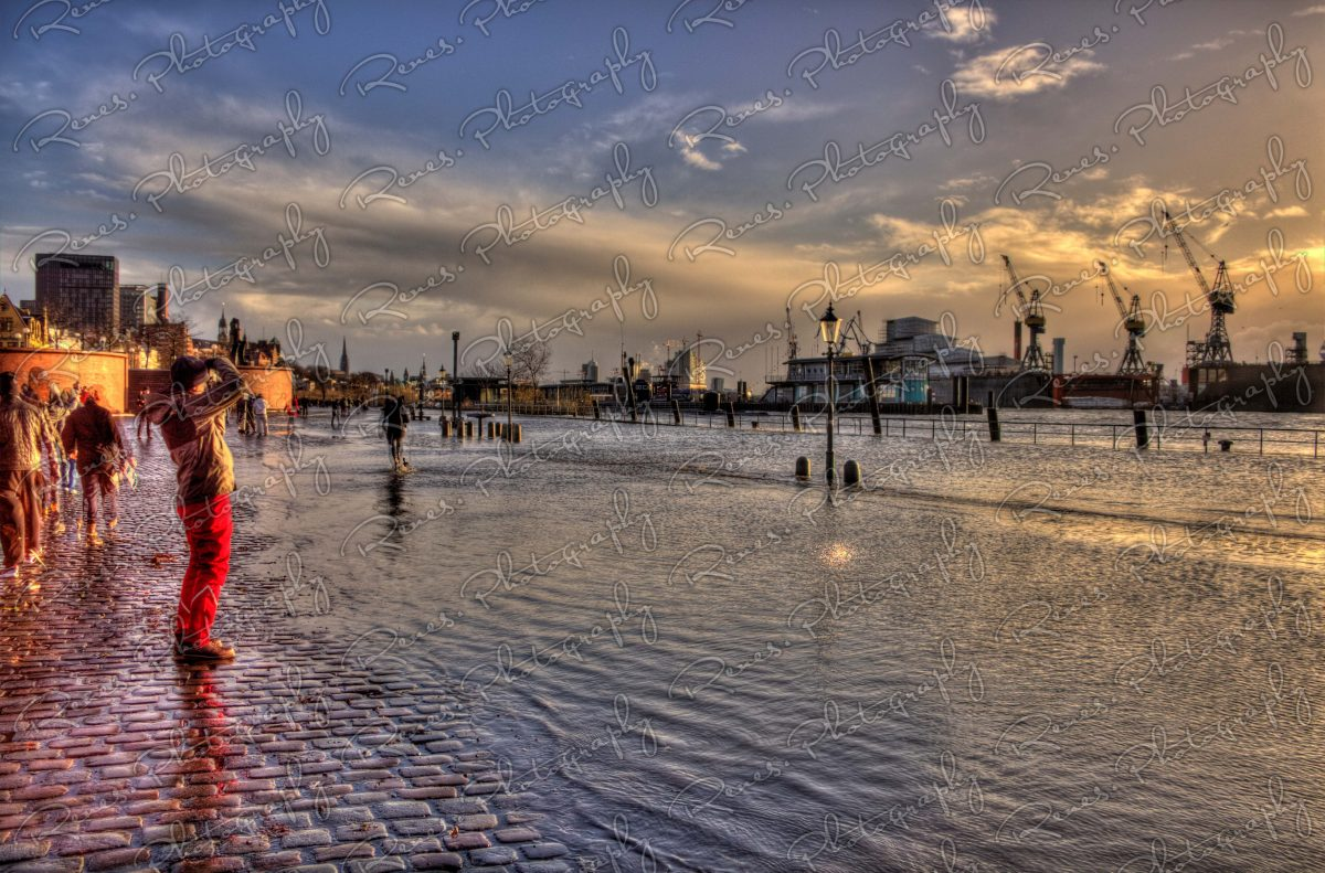 Storm surge in the Harbour of Hamburg Germany 5 scaled