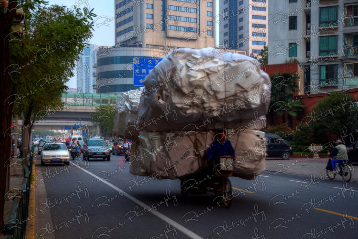 transporting goods in Shanghai China 1 scaled